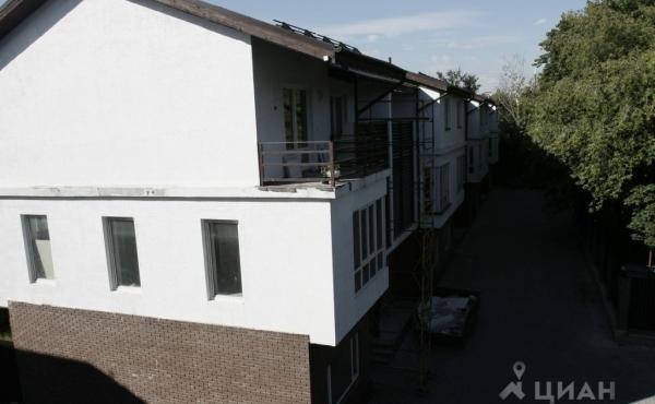 Трехэтажный таунхаус в г. Видное