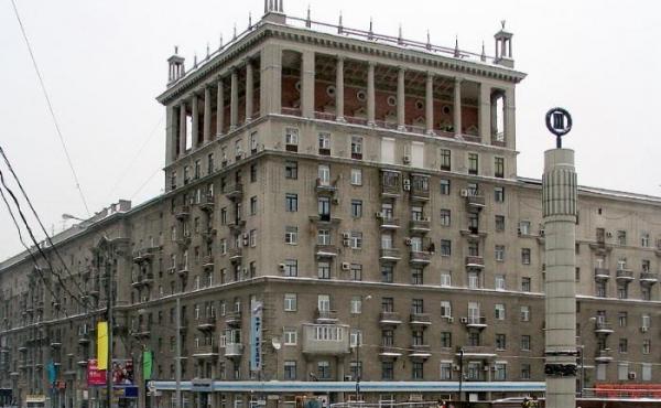 Торговая площадь на Кутузовском проспекте